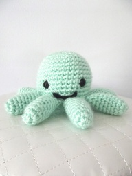 crocheted baby octopus craft