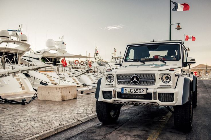 The Mercedes-Maybach G 650 Landaulet is the definition of unique luxury. [Mercedes-Maybach G 650 Landaulet | Combined fuel consumption: 17.0 l/100 km | CO2 emission: 397 g/km |...
