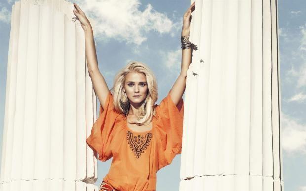 Модель Кармен Касс именинница: лучшие фото известной манекенщицы   https://joinfo.ua/showbiz/1215094_Model-Karmen-Kass-imeninnitsa-luchshie-foto.html