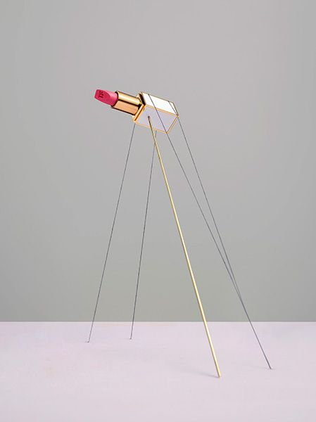 ANOTHER MAGAZINE - Loves Carl Kleiner Hanging upside down, suspension of objects