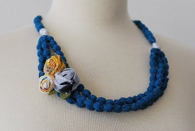 Pretty Ditty: A beaded fabric flower necklace tutorial