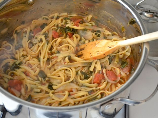 Italian Wonder Pot! I used the Paris spice from epicure instead of the suggested spices, and added quite a bit more pasta & my own veggies. It was amazing!