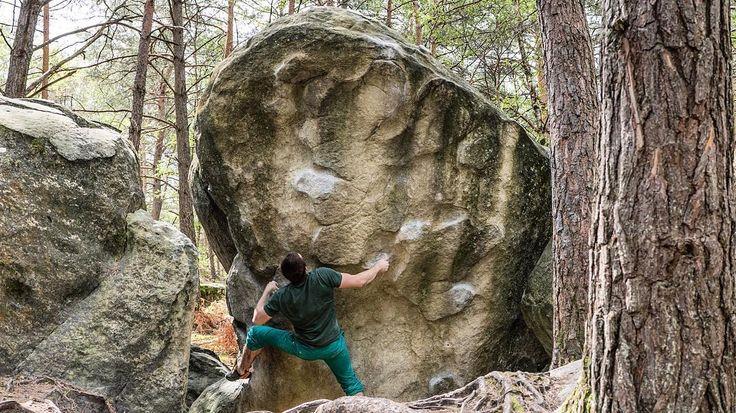 Bouldern in Bleau!  @ast6000 . #fsthltn #bouldering #bleau