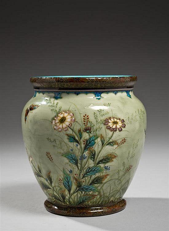 Théodore DECK (1823-1891) Vase sur talon en cérami - Piasa