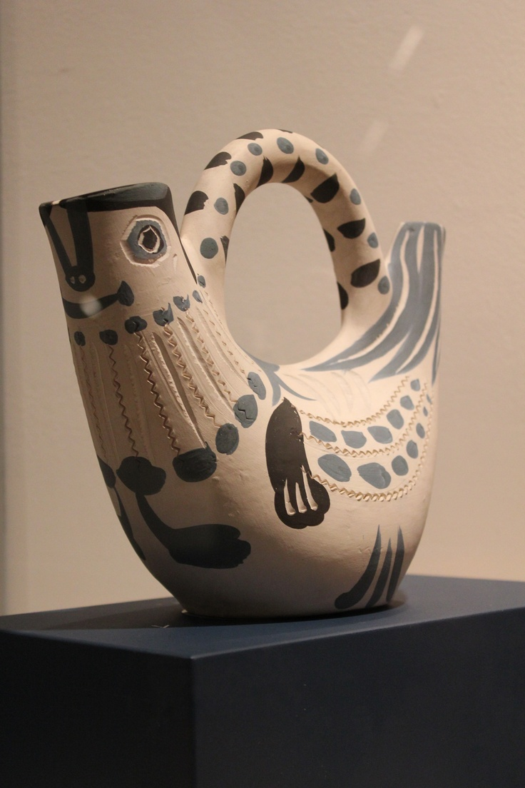 Bird Pitcher 1950s Pablo Picasso, white earthenware clay, decoration in engobes (on display at the Fort Lauderdale Museum of Art)