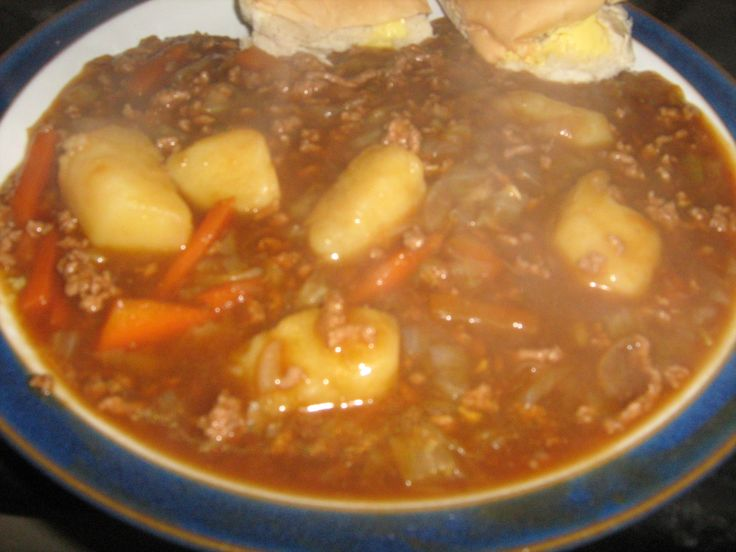 Recipe for Mince Stew How to Cook a Ground Beef Meal http://howto-answers.hubpages.com/hub/how-to-make-recipe-Stew-mince-steak-ground-beef-minced-home-made-potatoes-vegetables-for  Ground beef stew with vegetables