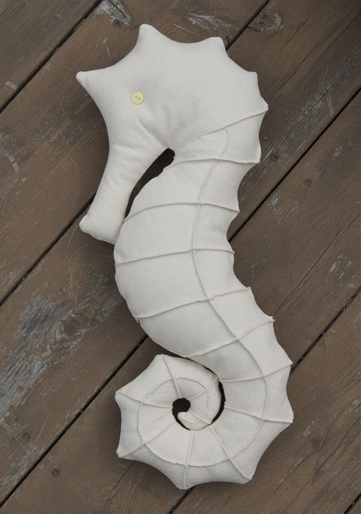 Softies + Toys We Love: Seahorse Pillow Free Pattern link | Sew Mama Sew | with link to fox pattern, too!