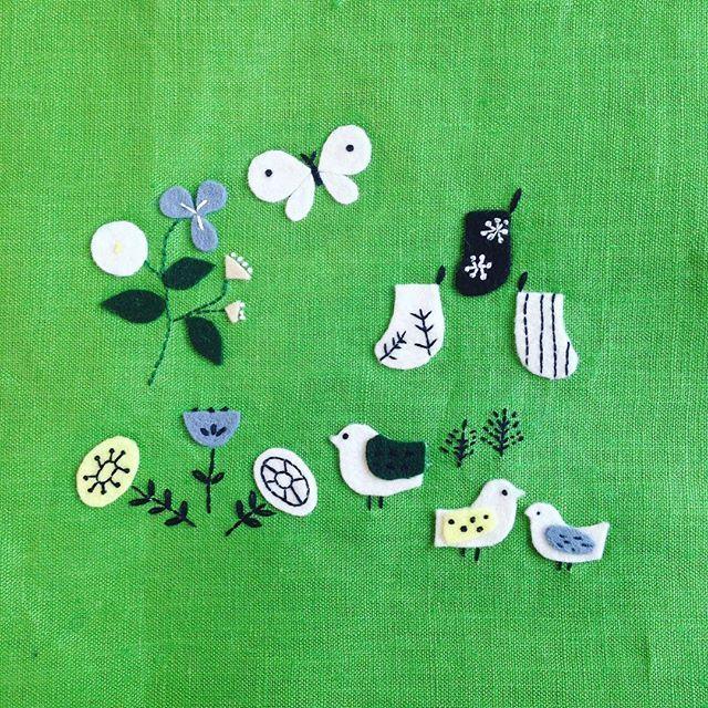WEBSTA @ annastwutea - 『5つのステッチでできるannasの刺繍工房』(日本文芸社)より。表参道の出版イベントでも展示しています。( @douxdimanche )これもお気に入りの図案です。フェルトと刺繍糸ですが、もちろん紙と紙を重ねて紙刺繍にもできます☆今日は夕方から在廊予定。..#刺繍 #ハンドメイド #ハンドメイド #handicraft #handembroidery #handmade #needle #needlework #embroideryart #embroidery #手刺繍 #手芸 #手作り #вышивка #紙刺繍 #handcraft #てづくり #stitch #자수 #刺繡 #川畑杏奈 #annas #アンナス #broderie #handiwork #needlecraft #paperstitching #5つのステッチでできるannasの刺繍工房 #北欧 #北欧風