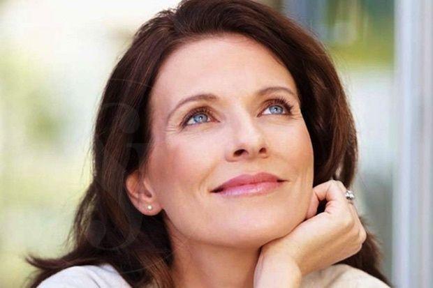 Cuidados piel 50 años, toman nota de estos consejos de salud y belleza para la piel a tus 50 años. con @PremierESP #PielALos50 #ConsejosBellez…