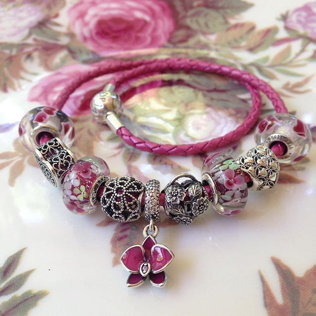 Pandora pink leather with orchid, wild hearts and flower garden muranos!💖❤️🌸🌺