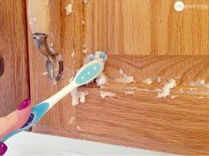 """Nettoyez des meubles de cuisine un peu """"crasseux"""" avec 2 ces ingrédients - Astuces de grand mère"""