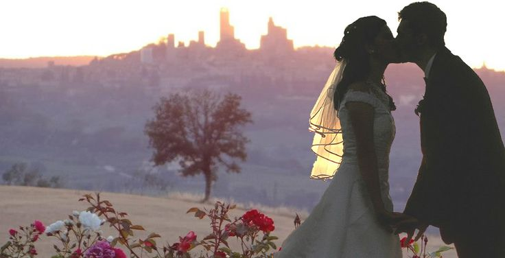 Wedding in Tuscany, romantic wedding in romantic restaurant Taverna di Bibbiano between Siena and San Gimignano. The stunning view over San Gimignano medieval towers seen from our romantic Restaurant