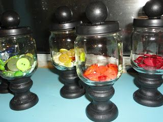 Too stinking cute! I have a ton of baby food jars that were given to me and i need ideas for them!