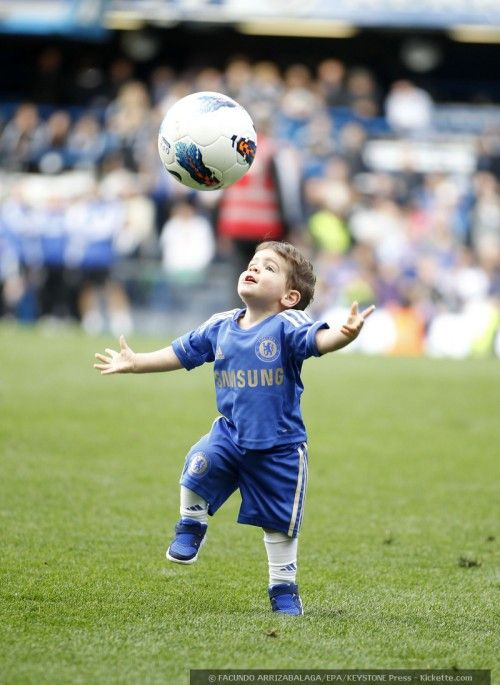 Yeah, yeah...fangirl moment, and I'm not a Chelsea fan...but Leo Torres is the most adorable baller baby I've ever seen.