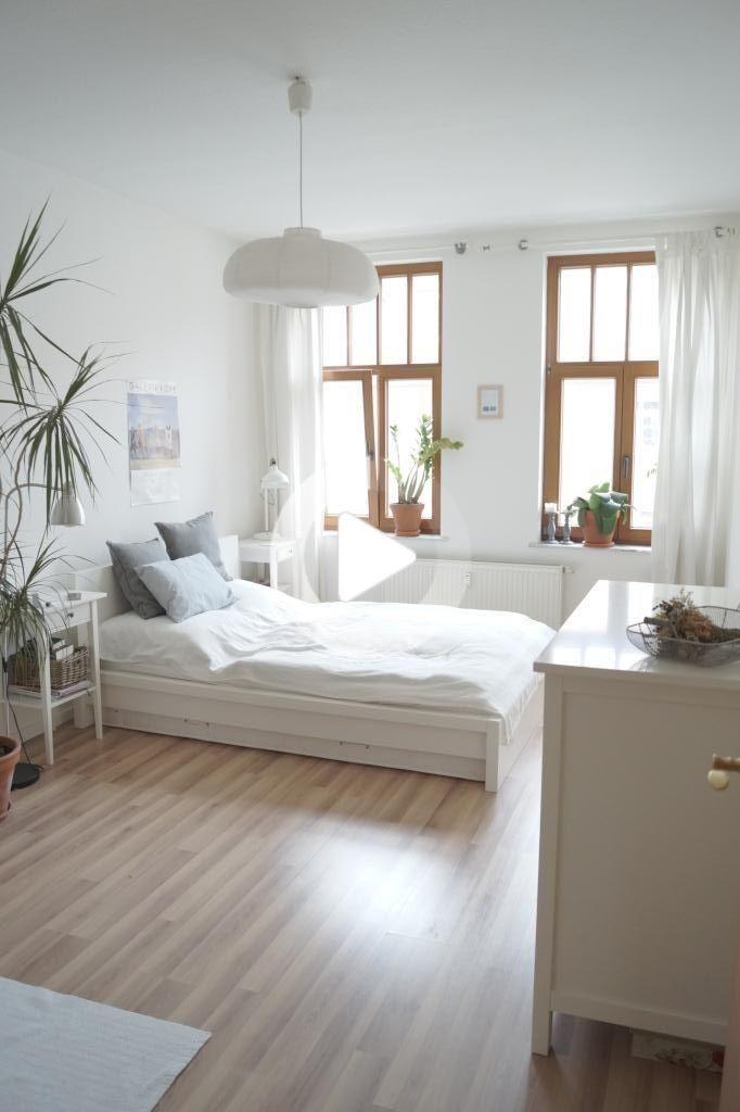 Helle 2 Raum Wohnung Mit Grossem Balkon Und Garten In 2020 Wohnung 2 Zimmer Wohnung Wg Zimmer