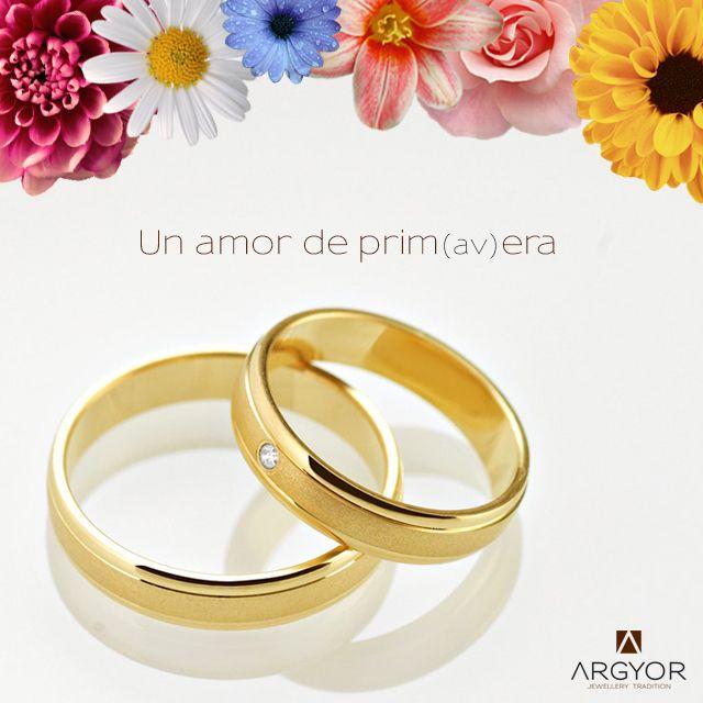 Pareja de alianzas de boda en oro de 18 quilates. Anillos de boda que combinan los acabados brillo y satinado; con diamante para ella. ¡Un amor de prim(av)era!