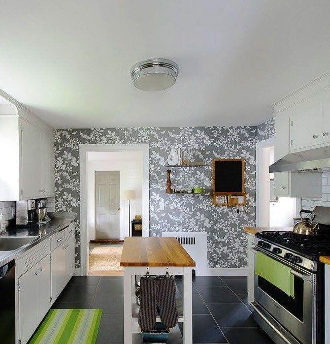 Серый оттенок часто используется в современных стилях кухонь, так как такой цвет не утомляет, а наоборот вызывает спокойствие