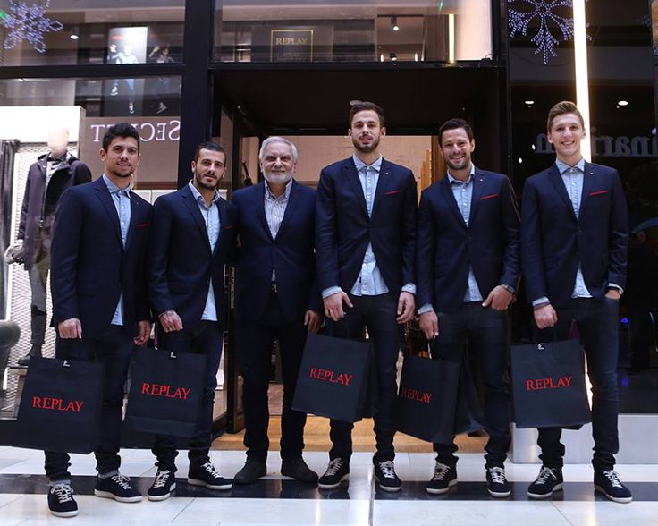 Replay was proud to welcome Olympiacos FC players Alberto de la Bella, Panagiotis Retsos, Nicola Leali, Diogo Figueiras, and Andre Martins with team Vice President Agrafiotis Dimitris at the Replay Store in Golden Hall to shop the Fall/Winter 2016/17 collection.