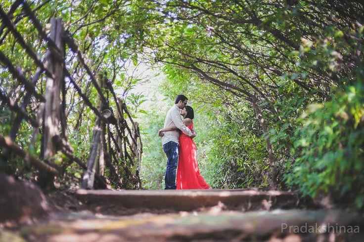"""Pradakshinaa """"Portfolio"""" album  #weddingnet #wedding #india #indian #indianwedding #weddingdresses #mehendi #ceremony #realwedding #groomsmen #bridesmaids #prewedding #photoshoot #photoset #hindu #sikh #south #photographer #photography #inspiration #planner #organisation #invitations #details #sweet #cute #gorgeous #fabulous #couple #hearts #lovestory"""