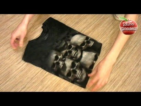 How To Fold A T-shirt Fast and Properly - http://coloredtips.com/diy/how-to-fold-a-t-shirt-fast-and-properly/