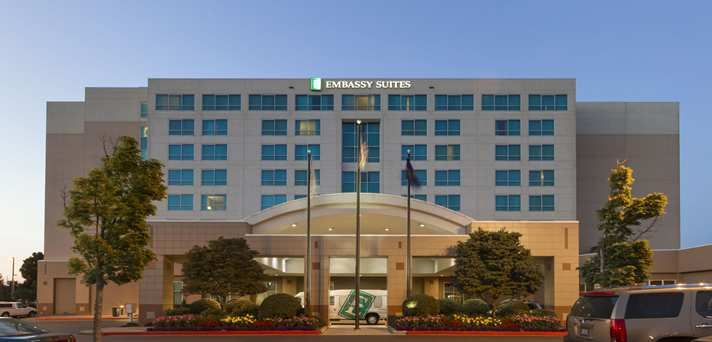 Embassy Suites Portland - Airport Hotel, OR - Hotel Exterior