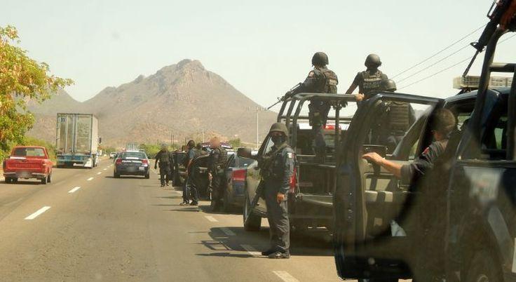 Fuerzas federales, a la caza de los asesinos de policía que capturo al Chapo | El Puntero
