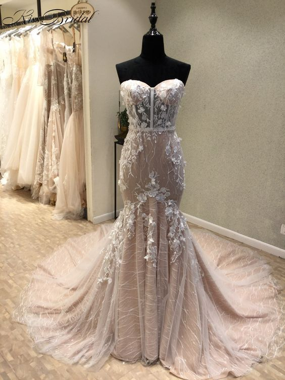 Mermaid Sweetheart Court Train Champagne Lace Wedding Dress with Appliques M1194