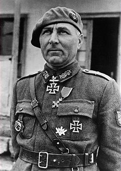 Mociulschi, Leonard - Officier, RomaniaPortrait of the commanding officer of the Romanian Mountain Corps at the end of the World War II - 1944- Photographer: Presse-Illustrationen Heinrich Hoffmann- Vintage property of ullstein bild, pin by Paolo Marzioli