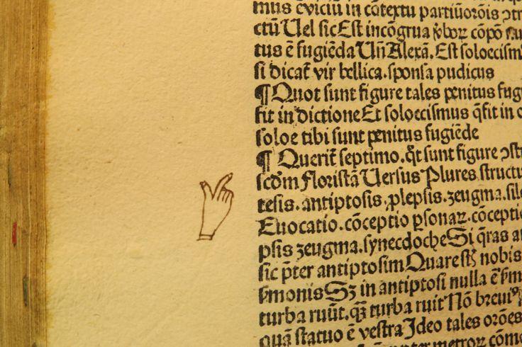 Inc 2. Author: Alexander, de Villa Dei . Title: Grammatica Latina Alexandri. 1497: 1500. Manicule [b5v].