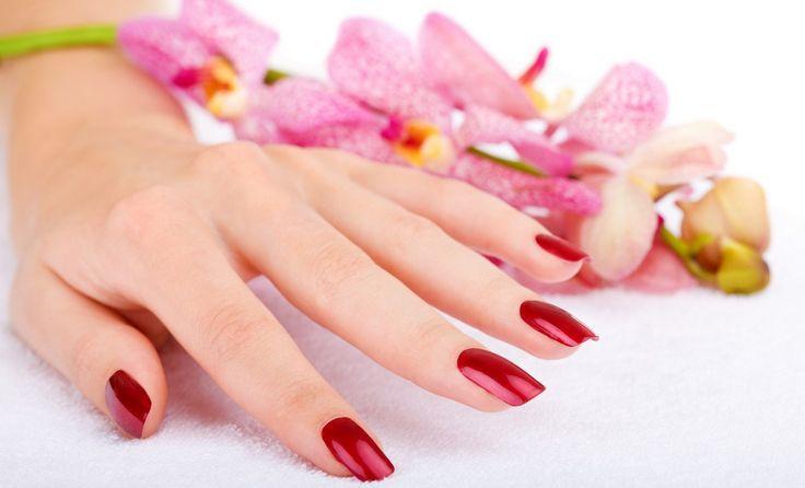 Come fare la #manicure in casa (fai-da-te): guida passo per passo. #bellezza #donne #unghie