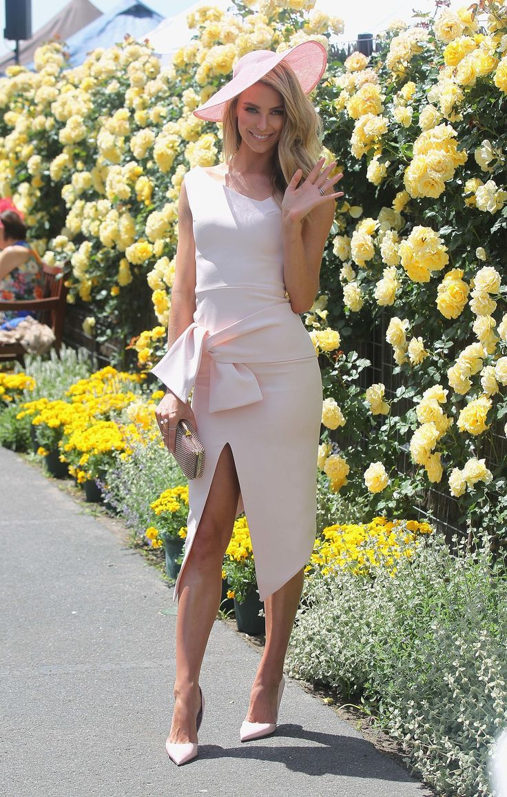 Jennifer Hawkins looks Amazing at Oaks Day Melbourne spring racing carnival 2014  Race day  ladies day