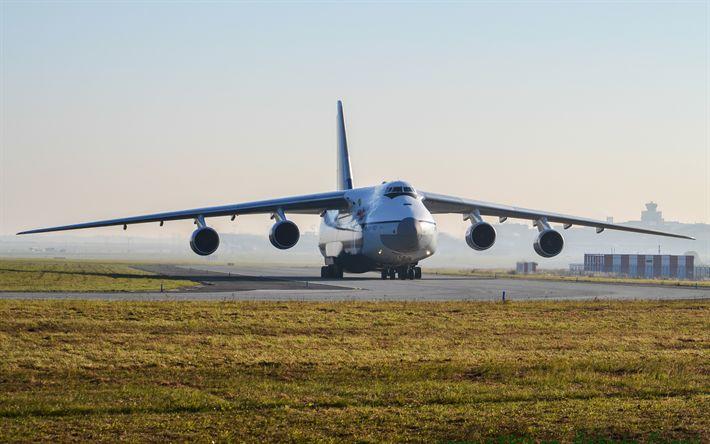 Herunterladen hintergrundbild 4k antonow an-124 ruslan an-124, ukrainische transport-flugzeuge, start-und landebahn, flughafen, antonov, luftfracht