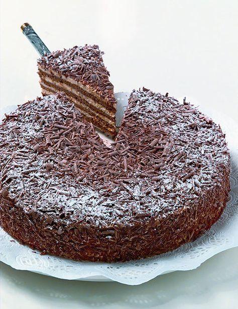 Othellotorte (pudding desserts pie)