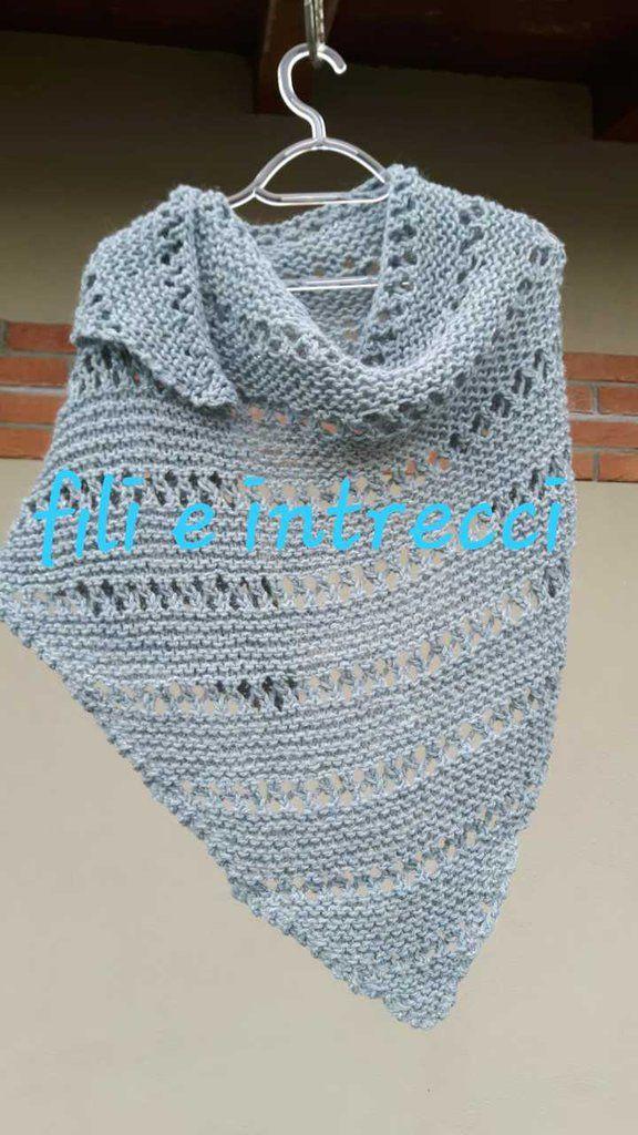 nuove foto informazioni per nessuna tassa di vendita Scialle / sciarpa triangolare di lana / fatto a mano ai ferri ...