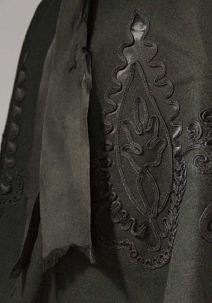 1407 best Victorian Capes, shawls and coats 1837 - 1901 ...