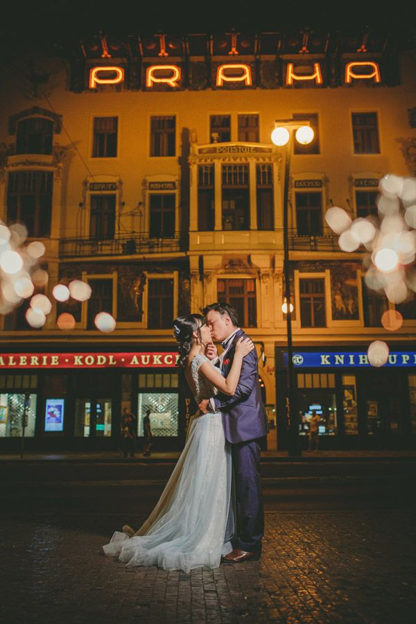 Pre Wedding Best of in Prague: a street scene in Prague: http://pragueweddingphotography.com