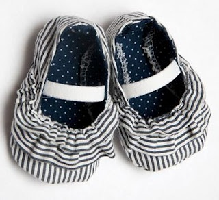 zapatos de tela de bebé: Diy'S Baby, Baby Shoes Patterns, Cute Baby, Baby Sewing, Ruffles Baby, Baby Booties, Baby Girls, Kids, Baby Shoes Tutorials