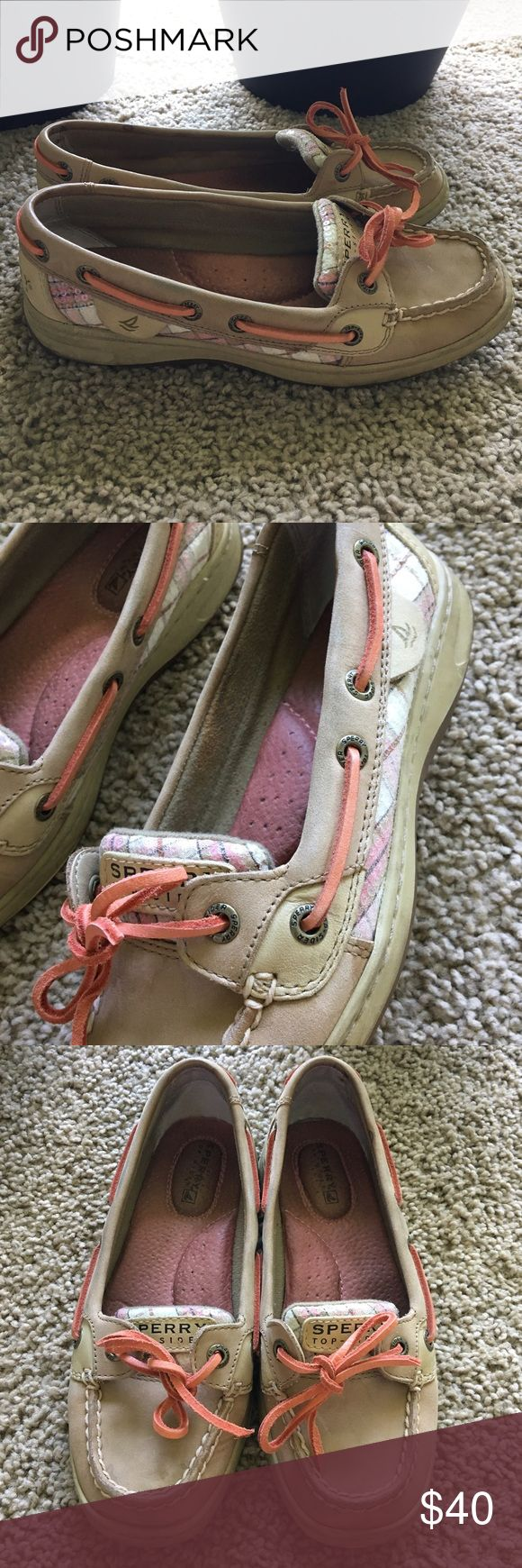 Sperry Boat Shoes size 5 Sperry Boat Shoes, classic camel leather with coral pink and white details, sequins on the tongue and the side. Size 5 M. Great condition! Sperry Shoes