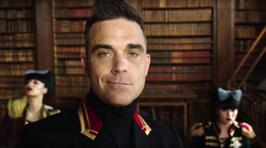 De comebacksingle van popster Robbie Williams (42) zou niet misstaan als titelsong van een nieuwe James Bond-film. Qmusic-dj en popkenner Wim van Helden noemt het theatraleParty Like A Russian 'anders', maar toch 'typisch Robbie'. ,,Hij bewijst dat hij er nog toe doet.''