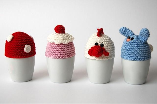 Egg cosie pattern: www.amigurumi-haken.be