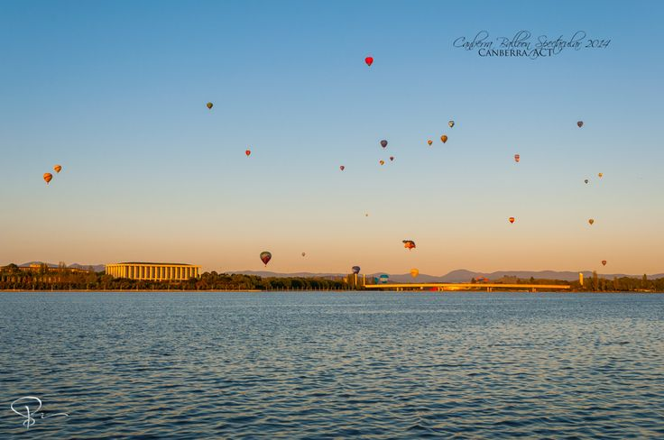 Canberra Balloon Spectacular 2014  For better quality or to get this in print: http://sactyr.com/wp/canberra-balloon-spectacular-2014/  Last weekend I went to Canberra Balloon Spectacular, which is an annual 1 week event held in the Parliamentary Triangle and have been held in Canberra for past 28 years. The Canberra Balloon Spectacular is listed as one of the top four hot air ballooning events in the world.