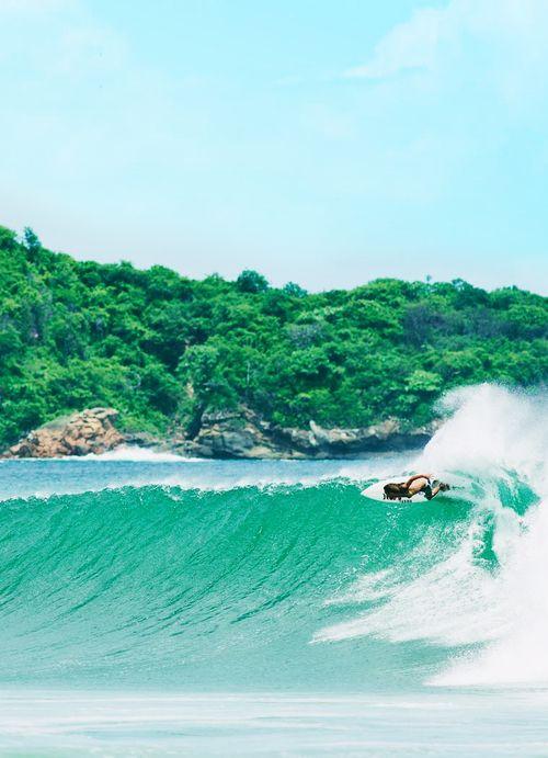costa rica; hogar dulce hogar. Me encantaría surfear en Costa Rica!!