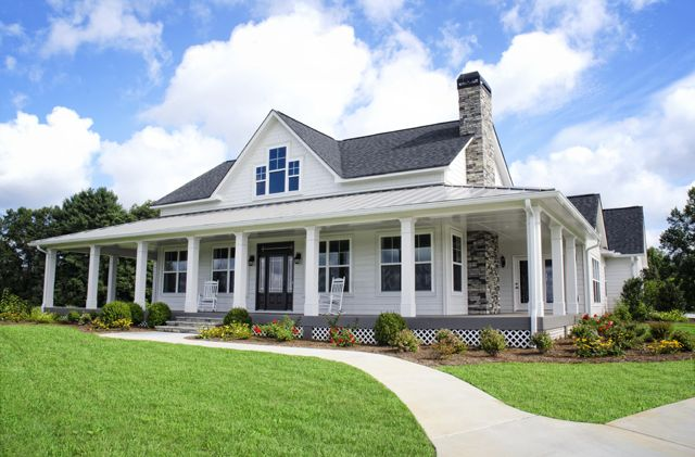 Americas home place frontview southfork home sweet for One level farmhouse house plans