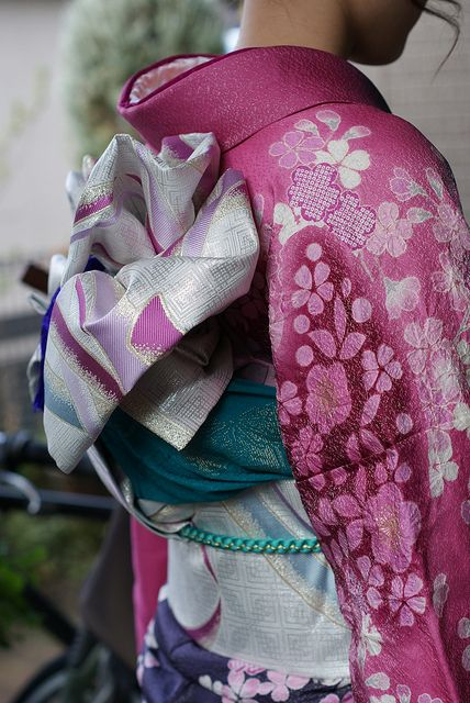 Kimono - love the color combination, great inspiration for an evening dress