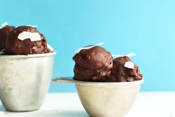Raw Double Chocolate Macaroons
