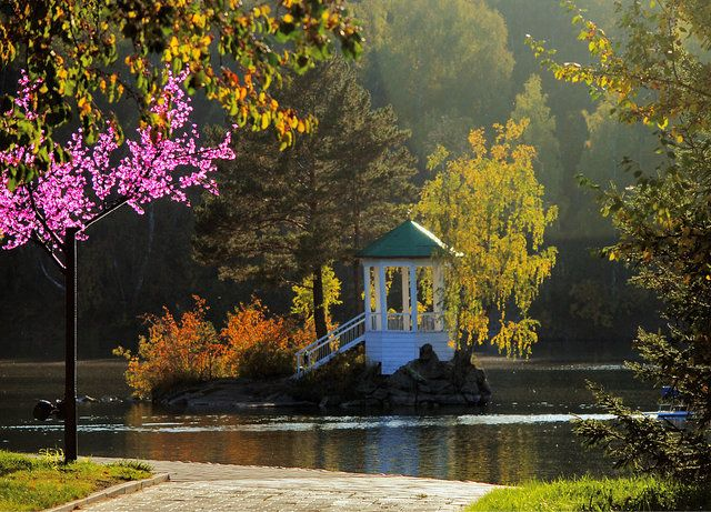Озеро Ая. Горный-Алтай. Россия