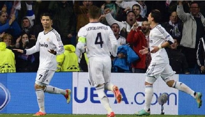 Results Real Madrid 3-0 Galatasaray Champions League April 3 2013 Real Madrid great opportunity to win tickets Champions League semi-final after defeating Real Madrid Galataray with a score of 3-0. Cristiano Ronaldo, Karim Benzema and Higuain scored the goal that made Real Madrid winning 3-0 at Galatasaray in the Champions League quarter-final first at the