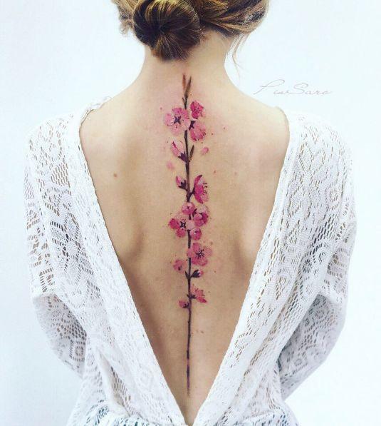 Tatuajes de flores tan realistas que querrás hacerte todo un ramillete