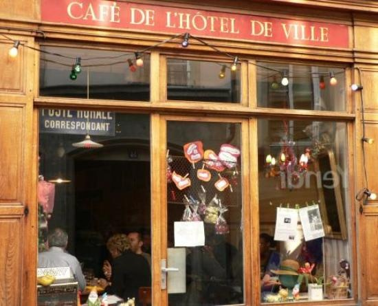 Cafe de l'Hotel de Ville, Lausanne - yummy salads and probably the best place for vegetarians in Lausanne.