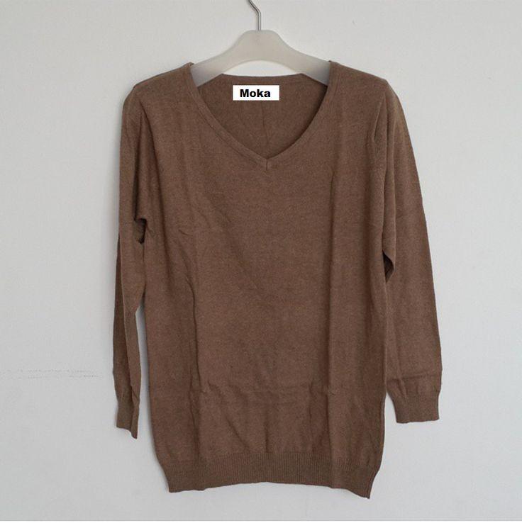 #Sweater Polos Import Lengan Panjang Vneck (B084) ~ 116ribu. Warna : Moka #Bahan rajut. Ukuran : One Size/All size. Fit sampe ukuran L (LD = 94cm, Pjg baju 65cm)